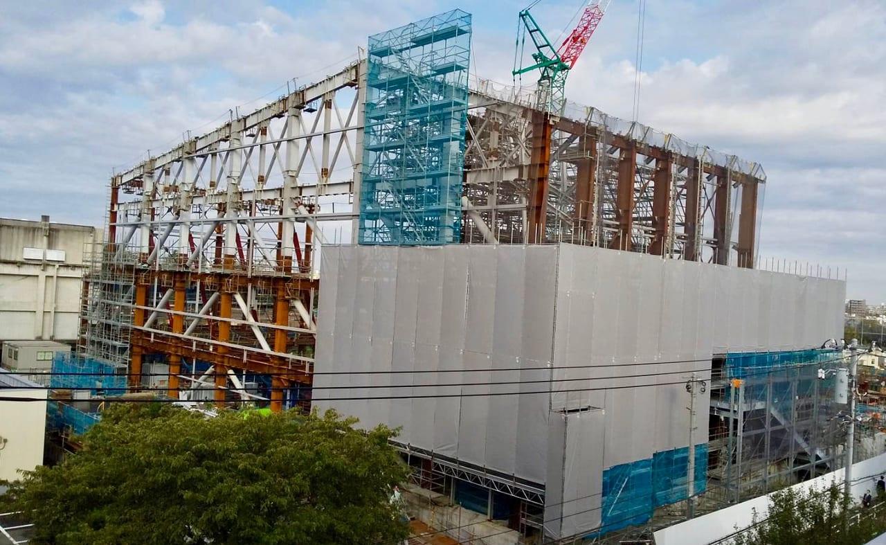 建設中の中野体育館