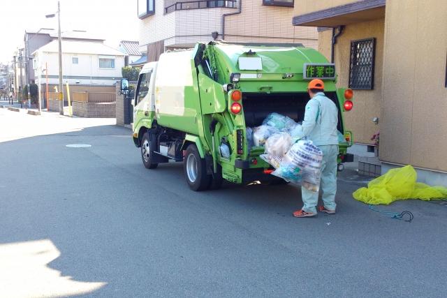 ごみの収集車
